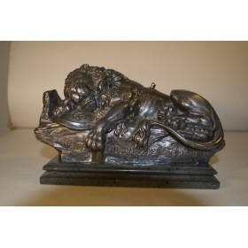 Антикварная бронзовая статуэтка Лев