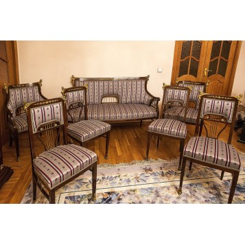 Набор антикварной старинной мягкой мебели купить в Москве