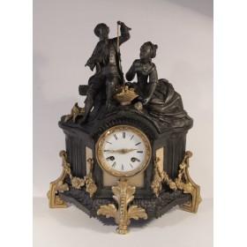 Старинные каминные часы бронза с золочением Флиртующая пара
