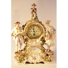 Антикварные часы в фарфоровом корпусе с музыкантами, Ситзендорф