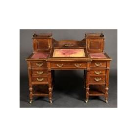Старинный викторианский письменный стол