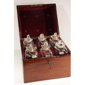 Купить старинное стекло, набор из шести бутылок