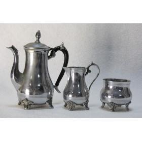 Старинный набор кофейник, молочник и сахарница
