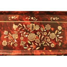 Купить старинную шкатулку из панциря черепахи