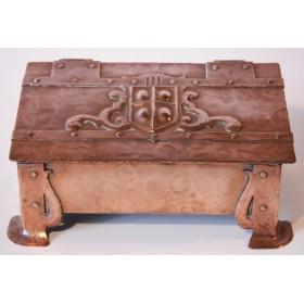 Купить старинную медную шкатулку для сигар и сигарет в стиле Arts&Crafts