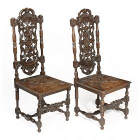 Два старинных резных стула