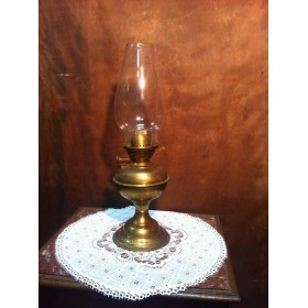 Старинная керосиновая латунная лампа