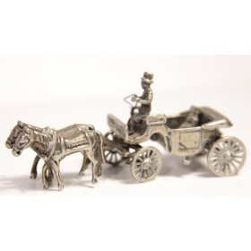 Антикварная серебряная миниатюра Карета