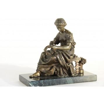 "Антикварная бронзовая скульптура ""Девушка на скамье"",мастера Матюрена Моро (Moreau)"