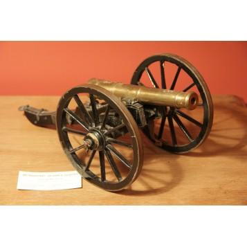 Точная модель старинной пушки