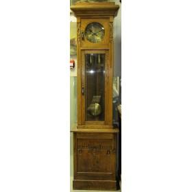 Cтаринные напольные часы в стиле Модерн мастера Гюстава Бейкерка