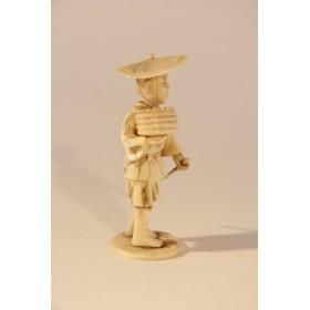 Антикварная статуэтка из кости Старинное окимоно КРЕСТЬЯНИН