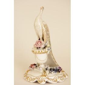 Антикварная фарфоровая статуэтка павлина