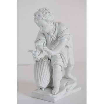 СЕВР Антикварная статуэтка из бисквитного фарфора Мальчика с птицей