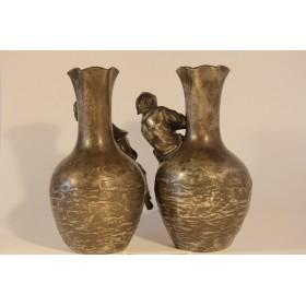 Старинные парные вазы скульптора Louis-Auguste Moreau (Огюст МОРО)