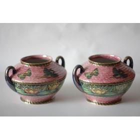 001 Старинные фарфоровые парные вазы
