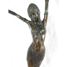 Старинная бронзовая статуэтка скульптора  Дмитрия Чипаруса