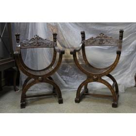 Два старинных стула Савонарола
