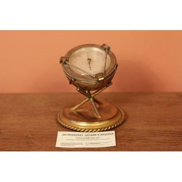 Антикварный барометр в виде барабана