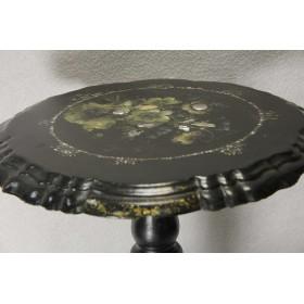 Старинный столик из папье маше