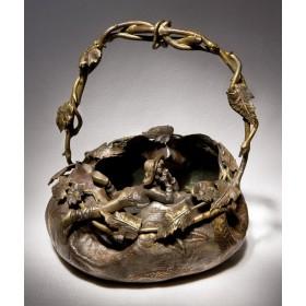 Антикварная бронзовая корзинка