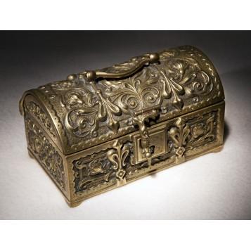 Антикварный бронзовый сундучок в подарок в Москве - fleur de lys