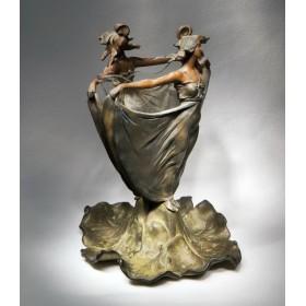Антикварная ваза – Две девы
