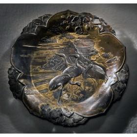 Продается бронзовое антикварное плато Журавли