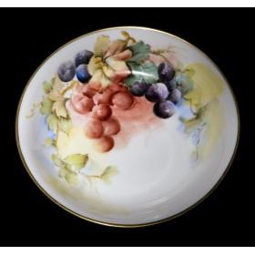 Антикварный набор тарелок ЯГОДЫ - купить в подарок в Москве