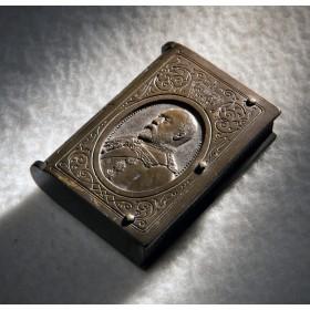 Антикварный футляр для спичек King Edward VII