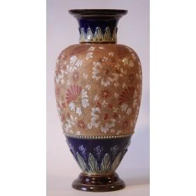 1874 Антикварная ваза английской компании Роял Долтон, старинная керамика