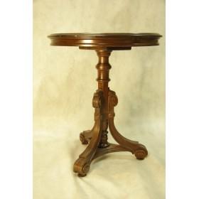 Антикварный столик из красного дерева