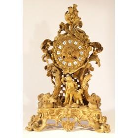 Старинные французские каминные часы из бронзы в стиле Рококо