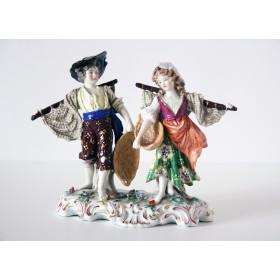 Старинная английская фарфоровая статуэтка Рыбаки купить в подарок и в интерьер