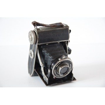 Купить старинный фотоаппарат в подарок и для украшения интерьера