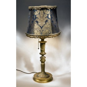 Старинная антикварная лампа в интерьер, антиквариат из бронзы
