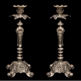 Продается в подарок пара великолепных посеребренных подсвечников Наполеон II