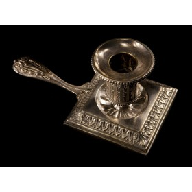 Антикварный свечник  Викторианской эпохи.
