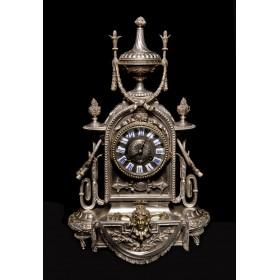 Антикварные каминные часы в посеребренном корпусе, масонской символики