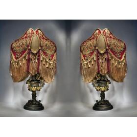 Антикварные лампы в виде кувшинов с орлами