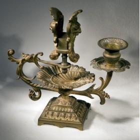 Продается антикварная пепельница с подсвечником Ренессанс для подарка