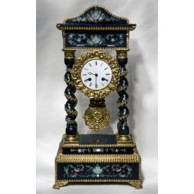 Антикварные старинные каминные часы-портик