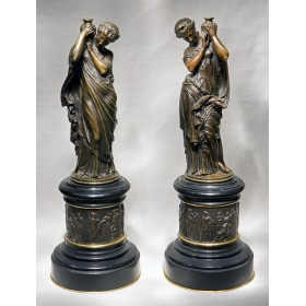 Антикварная пара интерьерных статуэток M.Moreau