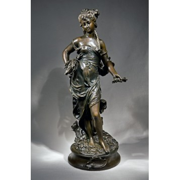 Старинная бронзовая скульптура Cybelle работы A. Moreau