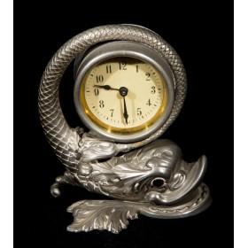 Старинные антикварные часы Дельфин
