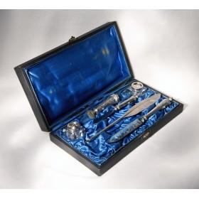 Антикварный несессер для письма из серебра Phoenix