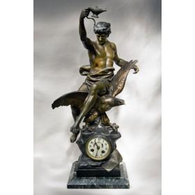 Антикварные часы E. PICAULT.