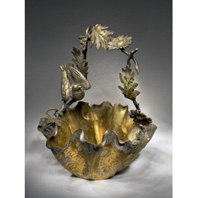 Антикварные вещи в подарок, старинная бронзовая корзинка Малиновка