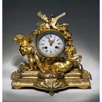 Стоимость антиквариат часы советские москве продать часы в