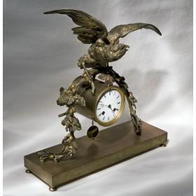 Антикварные настольные часы Ястреб, подарки из бронзы